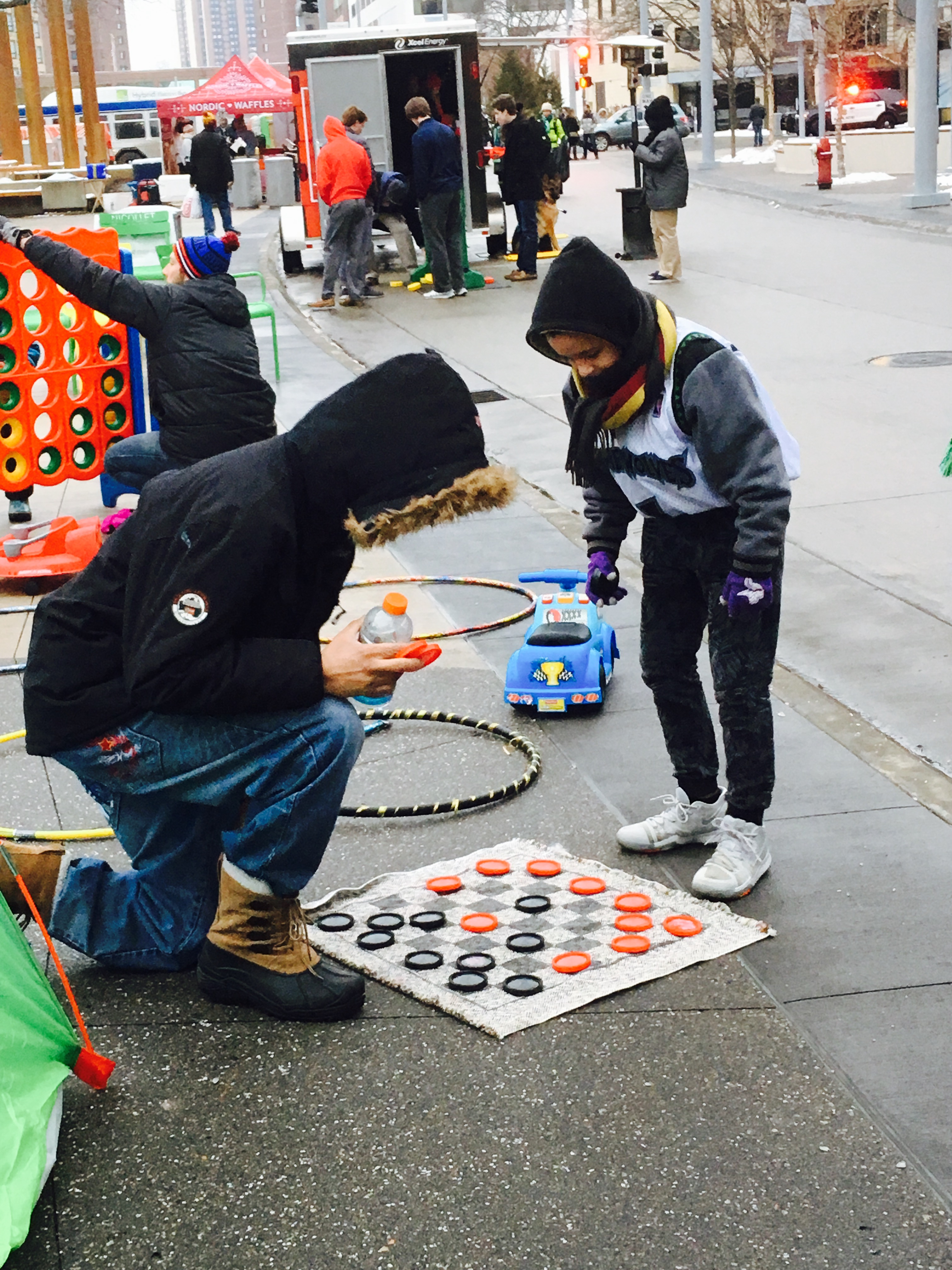 Street Checkers