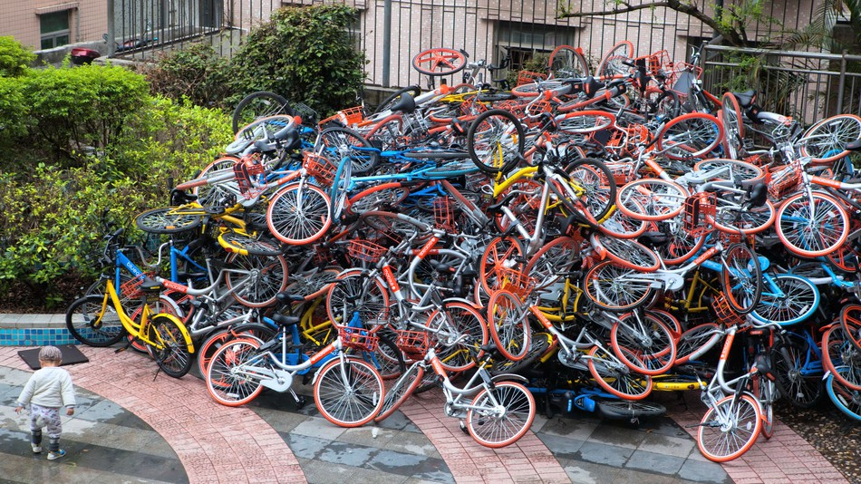 http://mashable.com/2017/01/18/bike-sharing-pile-up-china/#fRpmBcpCCPqK