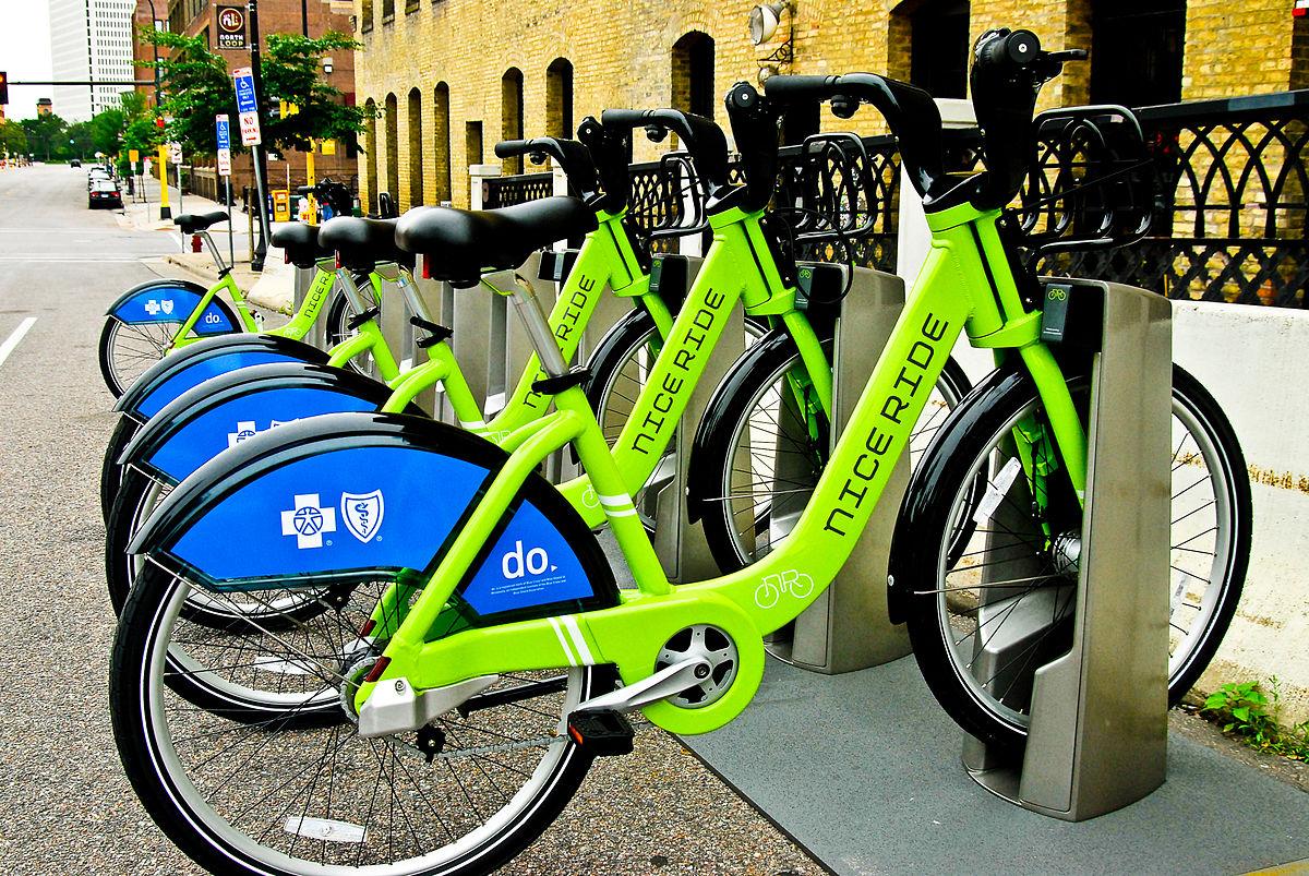 Nice_Ride_Bike_Kiosk_Wikipedia.jpg