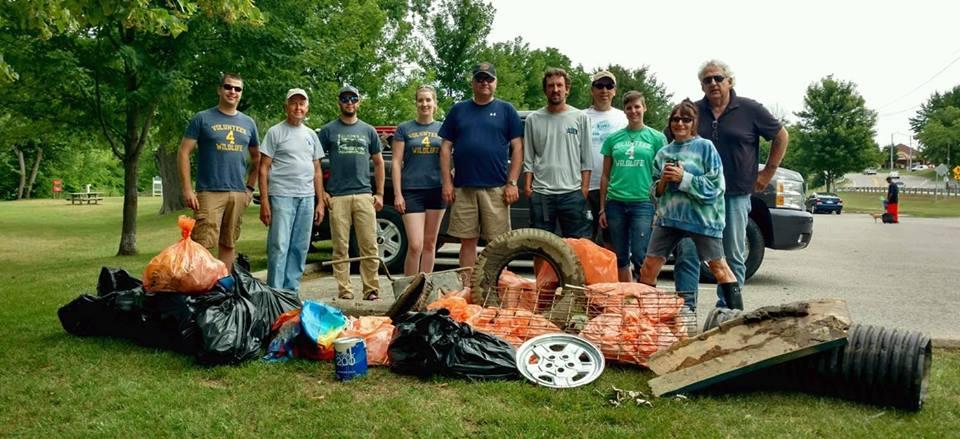 clinton_river_clean_up_group.jpg