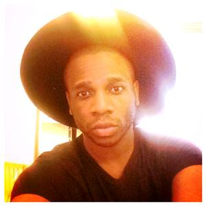 DAMIEN_IKE_WITH_HAT300sq.jpg
