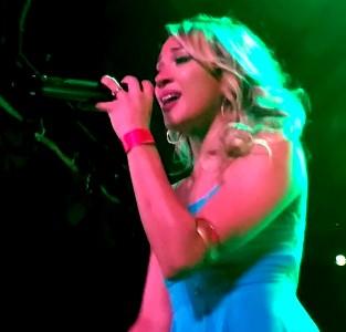 on_stage_mic._blue_filtered300.jpg