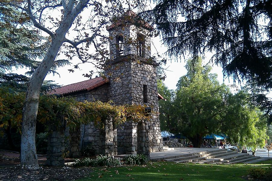 st-lukes-of-the-mountain-la-crescenta-maggie-cabral.jpg