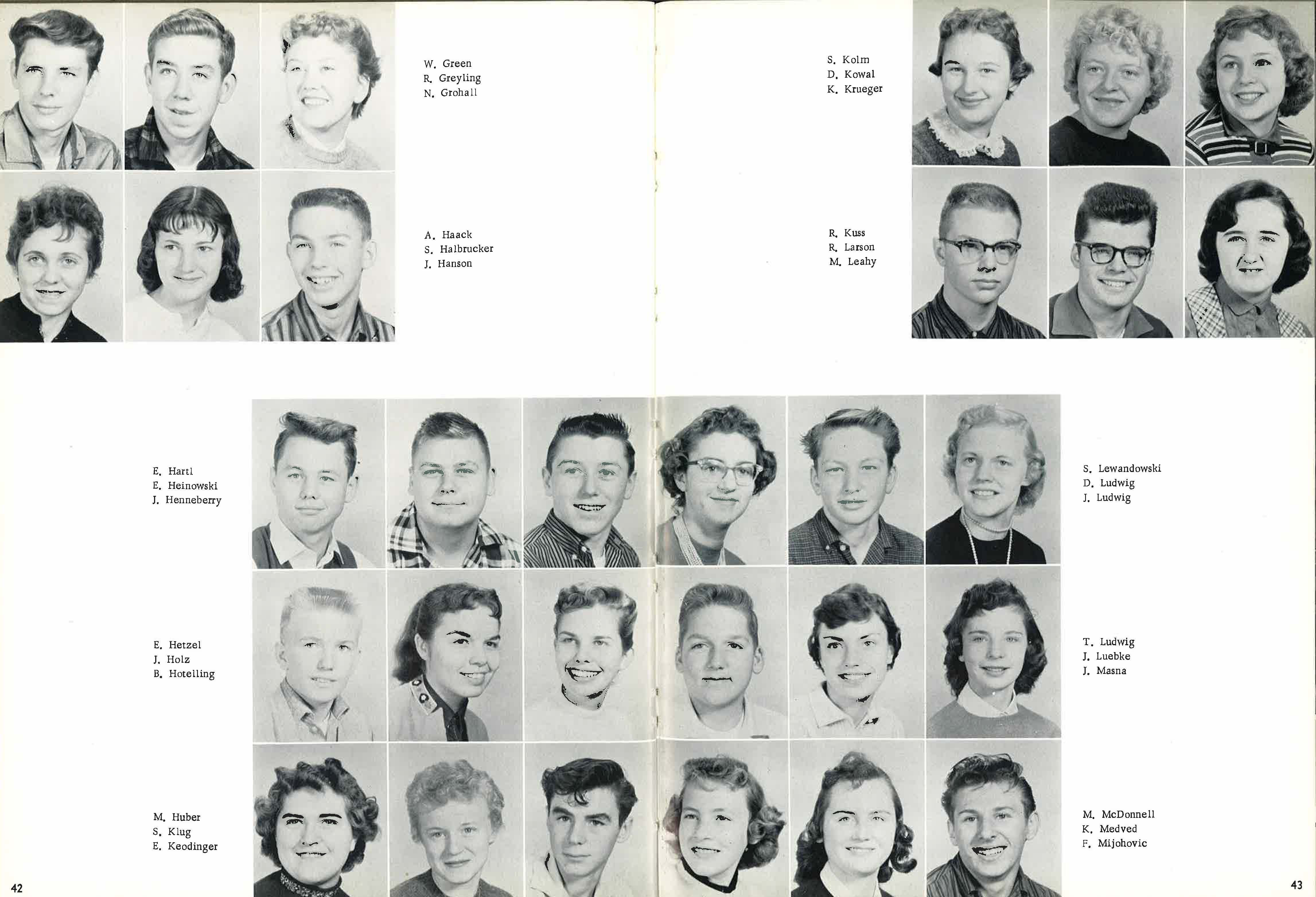 1958_Yearbook_42-43.jpg