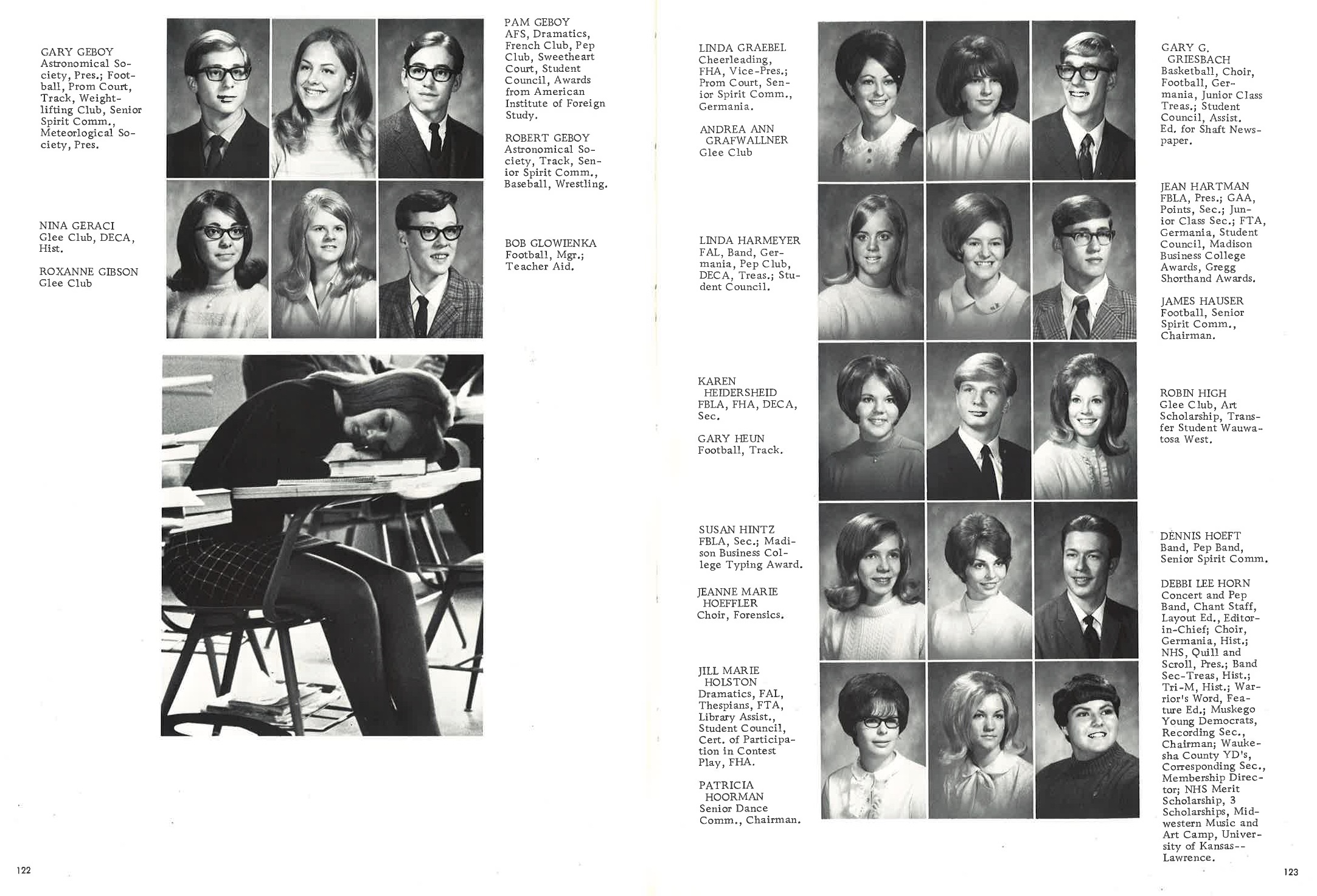 1970_Yearbook_122-123.jpg