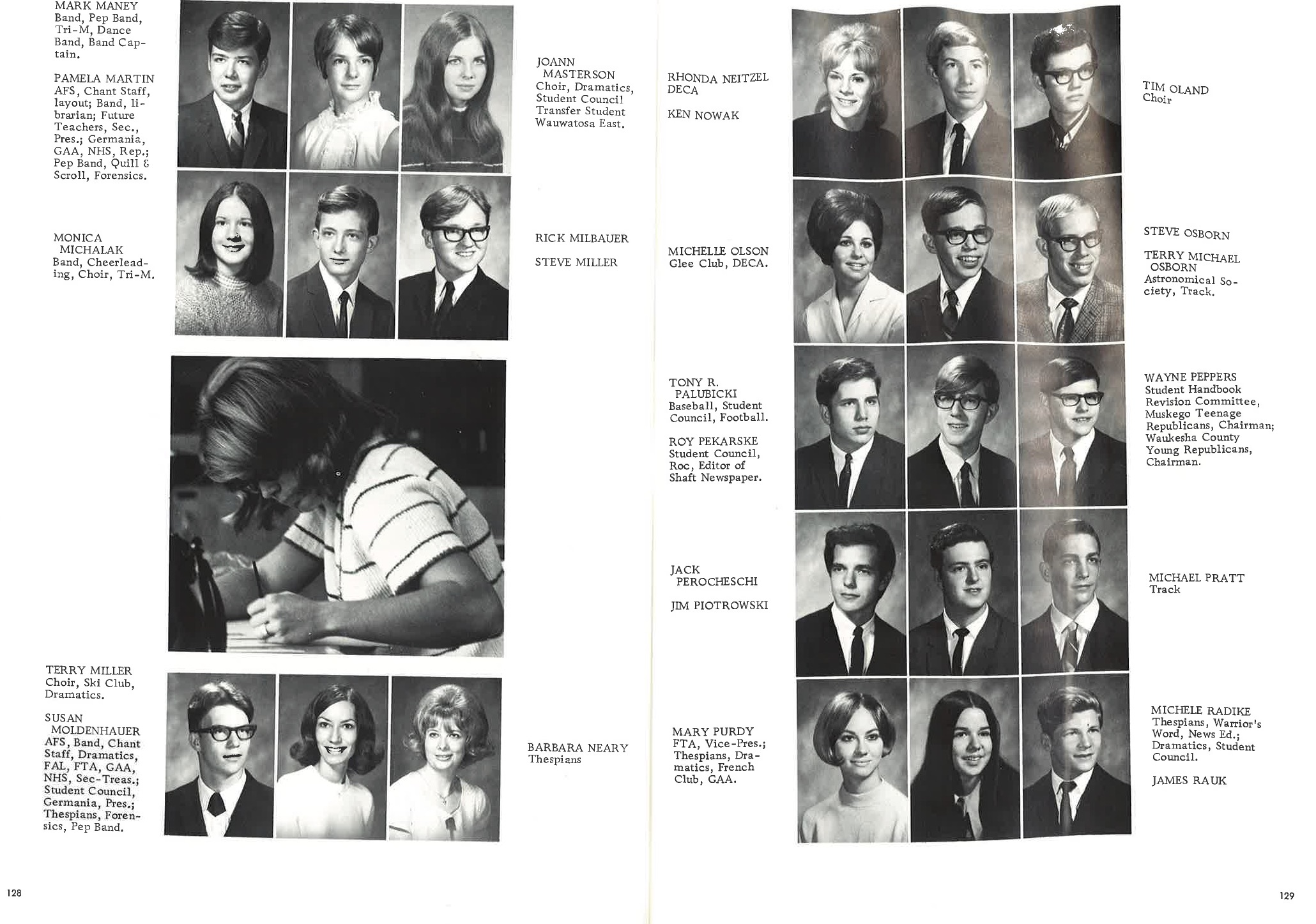 1970_Yearbook_128-129.jpg