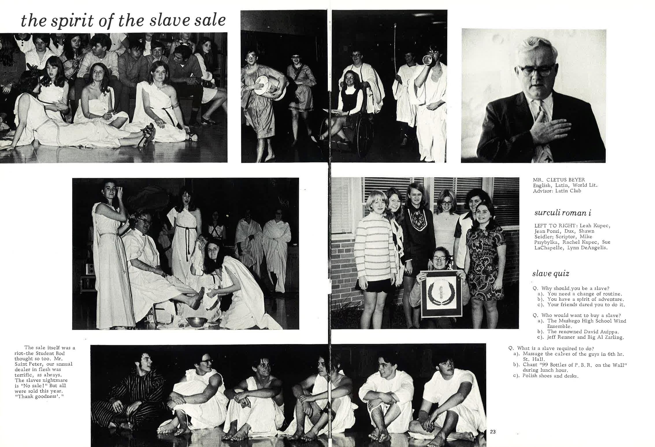 1971_Yearbook_22-23.jpg