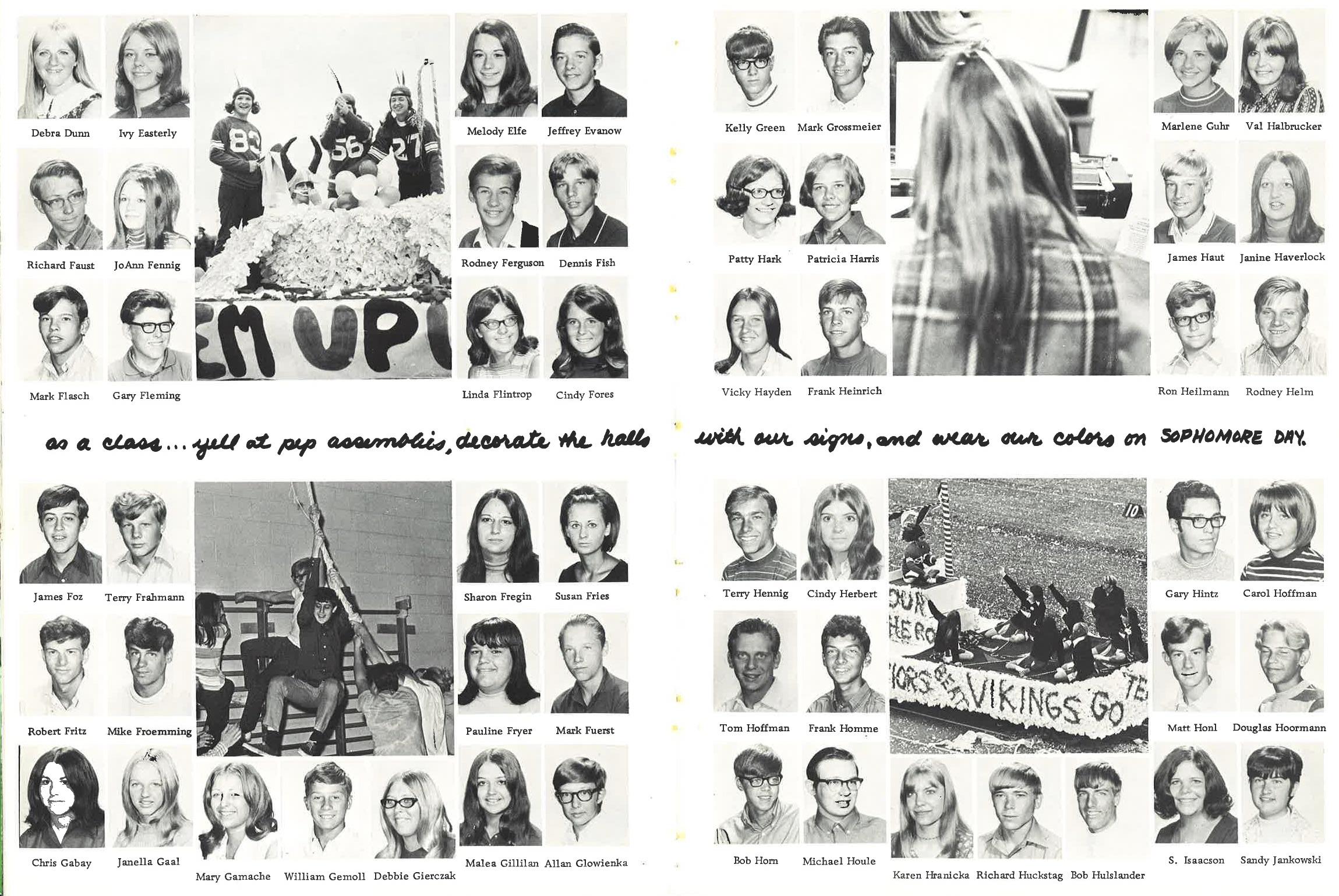 1971_Yearbook_40-41.jpg