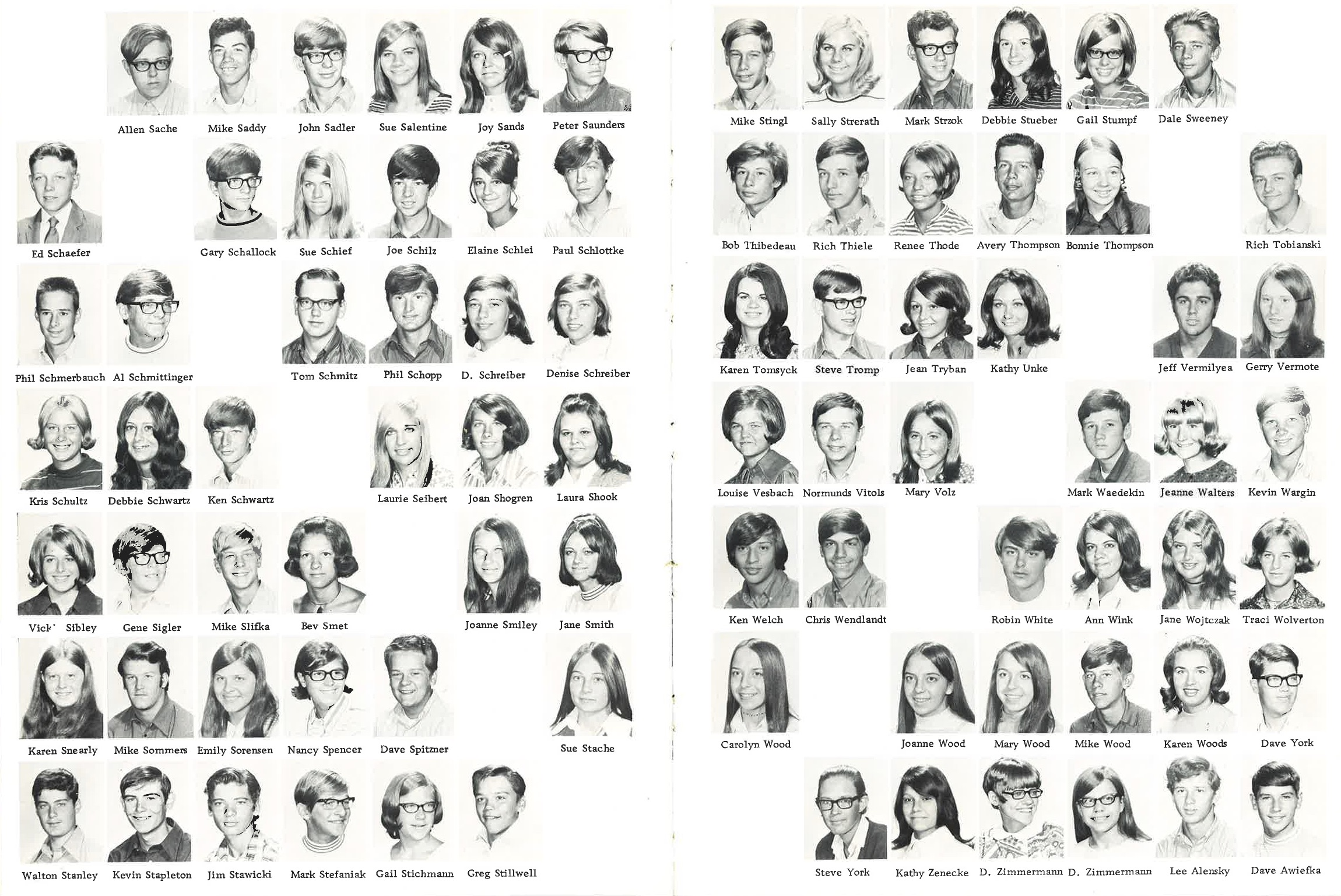 1971_Yearbook_46-47.jpg