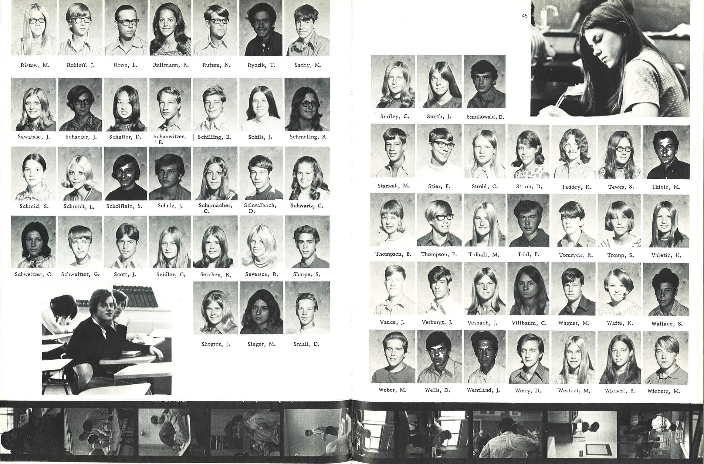 1972_Yearbook_44-45.jpg