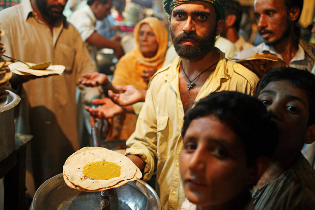 Langar Khana ­ Pakistani Food banks