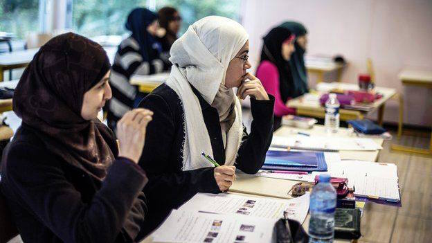 Empowering-Muslim-women-by-the-means-of-education.jpg