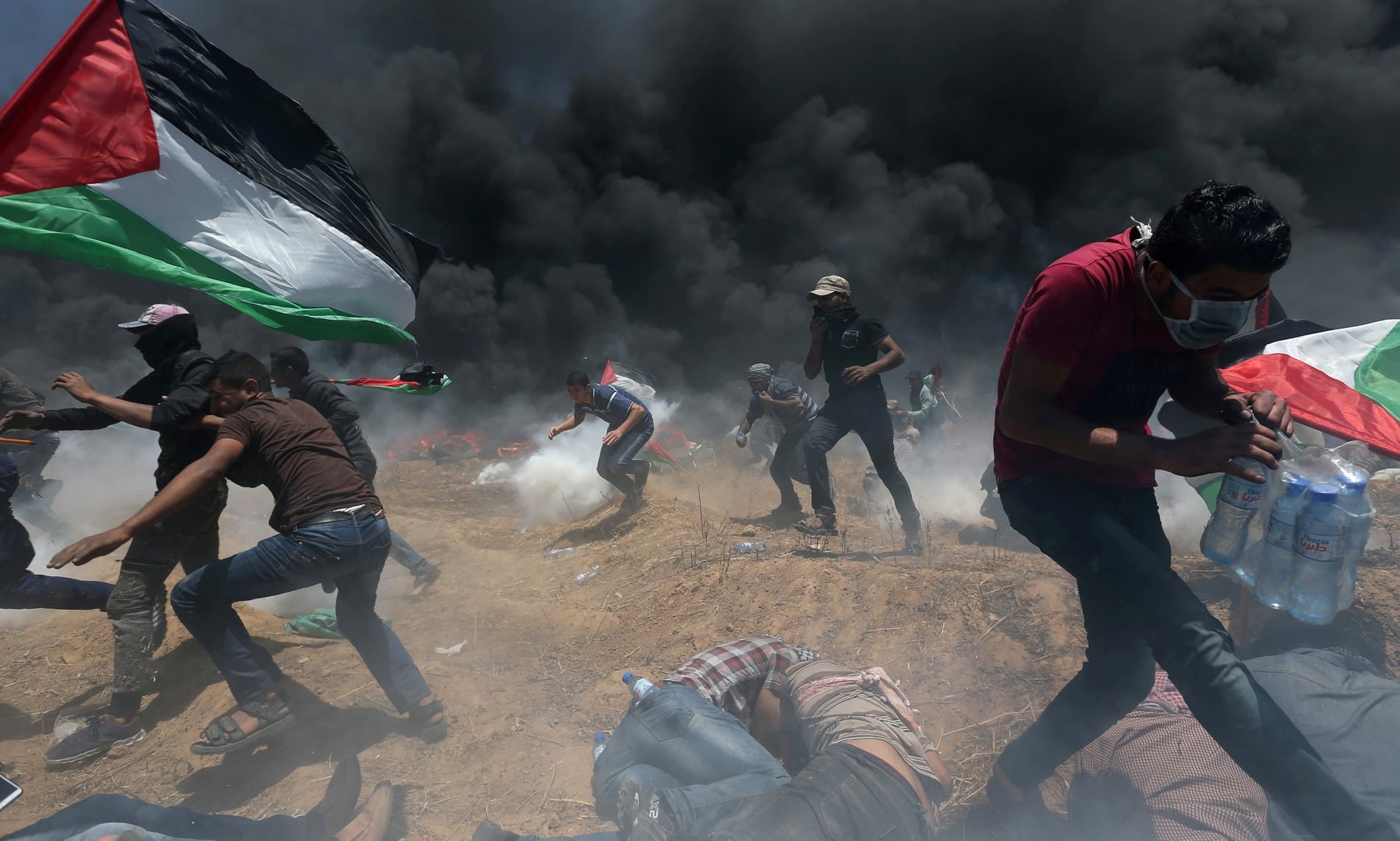 Fatal clashes in Gaza after opening of US embassy – in pictures