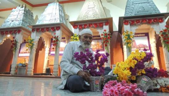 For 26 Years, Muslims Have Taken Care of This UP Temple