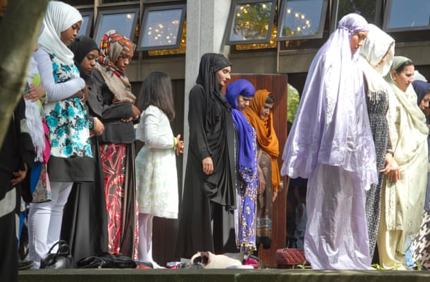 Muslim Council of Britain To Train Women To Run Mosques