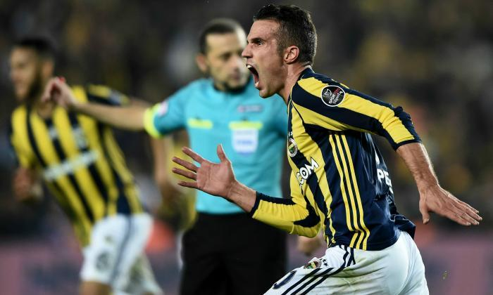 Fenerbahce 2-0 Galatasaray: Robin van Persie brace secures bragging rights in Kitalararasi derby