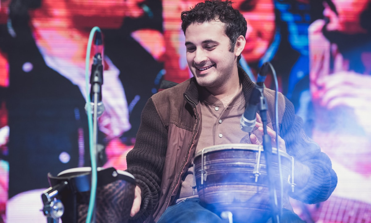 Shiraz Khan of Khumariyaan performs at the opening of The Millennium University College campus, Islamabad   Ustaad Artistic Services, courtesy Khumariyaan