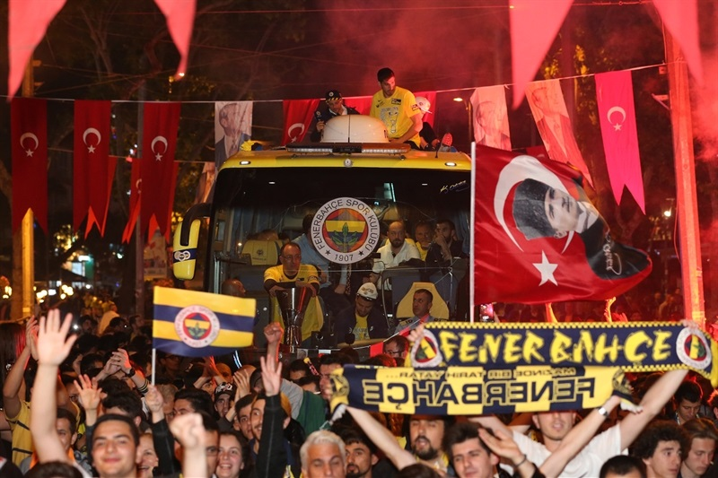 celebrations-of-fenerbahce-at-kadikoy-final-four-istanbul-2017-eb16 (5)