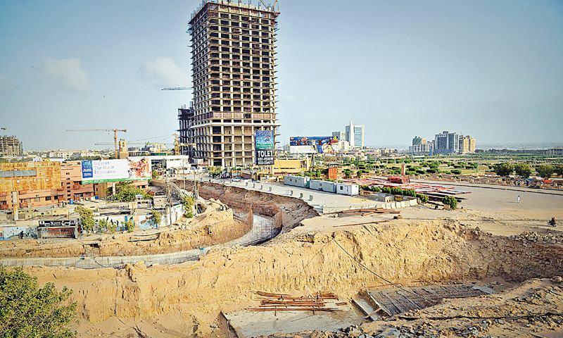Bahria_overpass.jpg