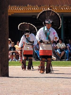 Native_American_Dancers.jpg
