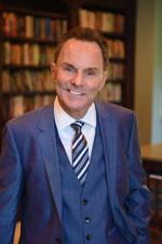 Dr Ronnie Floyd