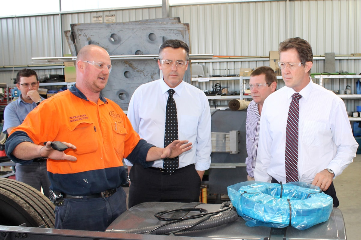 Parliamentary Secretary for Defence Visits Akubra and Express Coaches