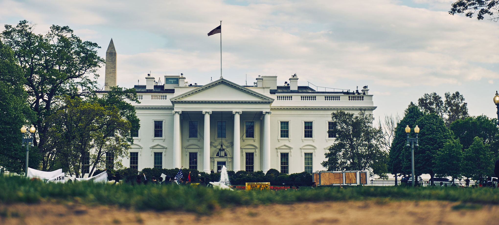 mega-theme-demo-white-house-1-cropped.jpg