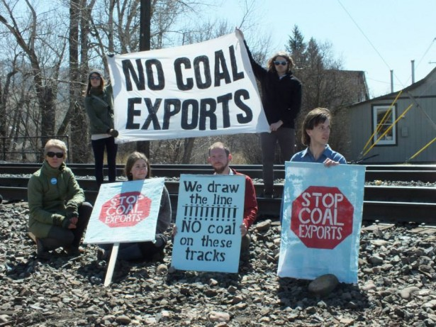 April-2014-railroad-blockade_Photo-by-Blue-Skies-Campaign-615x461.jpg