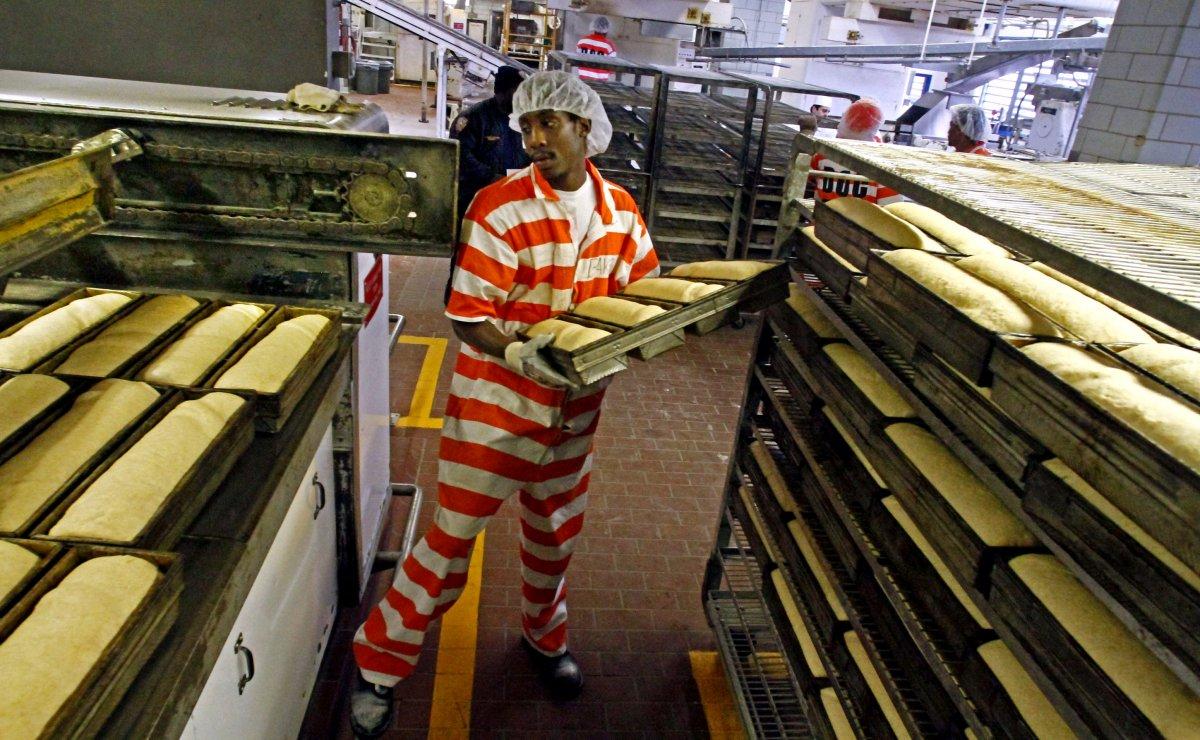 prisonworker.jpg