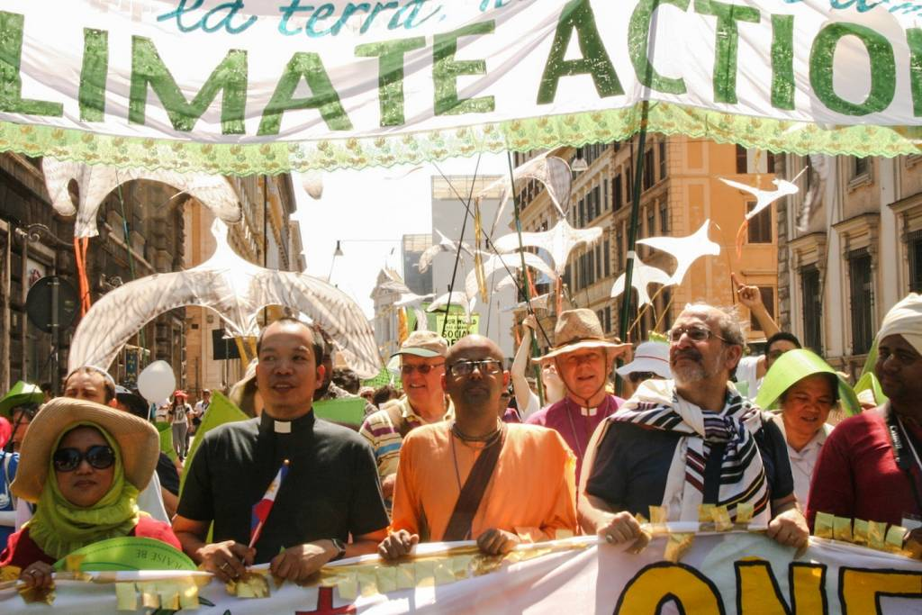 Rome March Celebrate Pope's Call for Urgent Climate Action