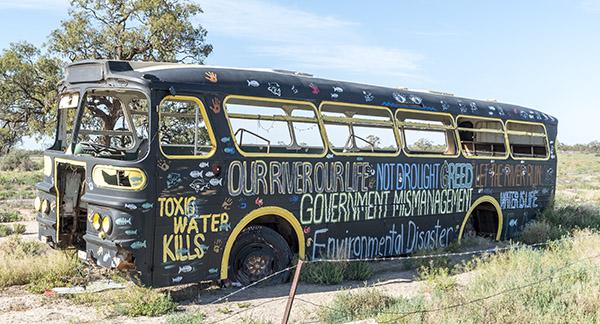 Menindee Slogan Bus