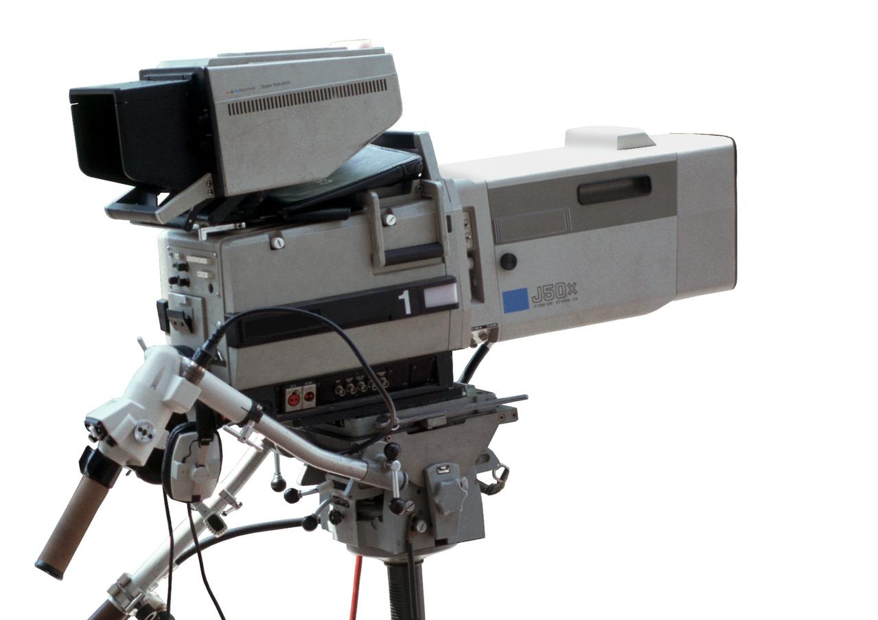 tv-camera-1517392-1279x902.jpg