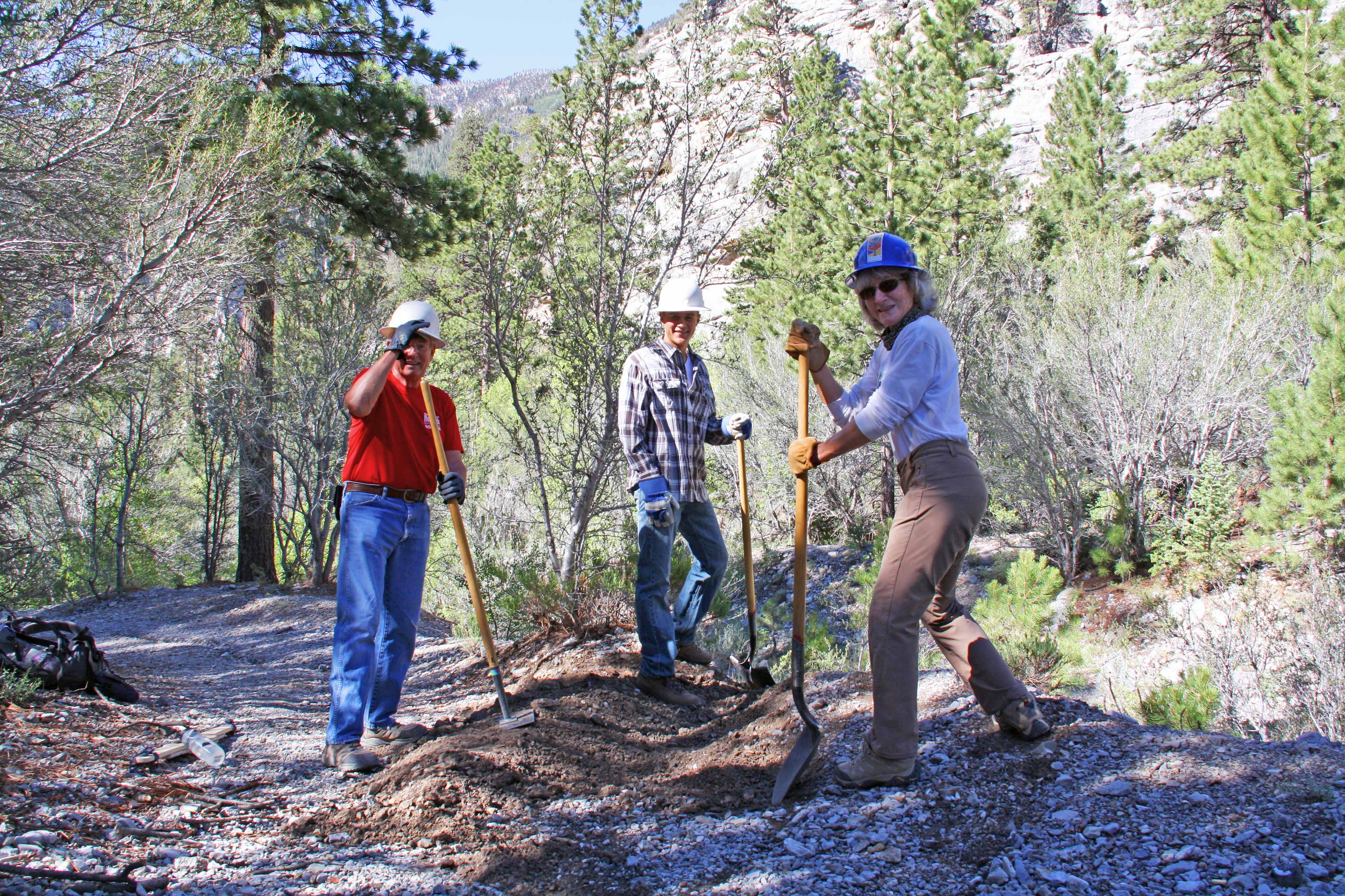 Trail_Canyon_Stewardship_140711_minas001.jpg