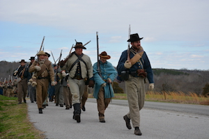 Confederate_soldiers_moving_up_the_road_(16783880839).jpg