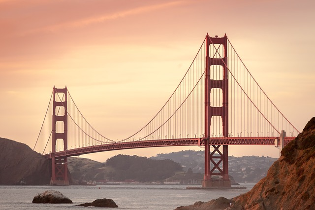 golden-gate-bridge-388917_640.jpg