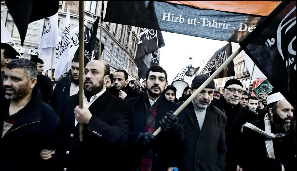 3695419-hizb-ut-tahrir-demo.jpg
