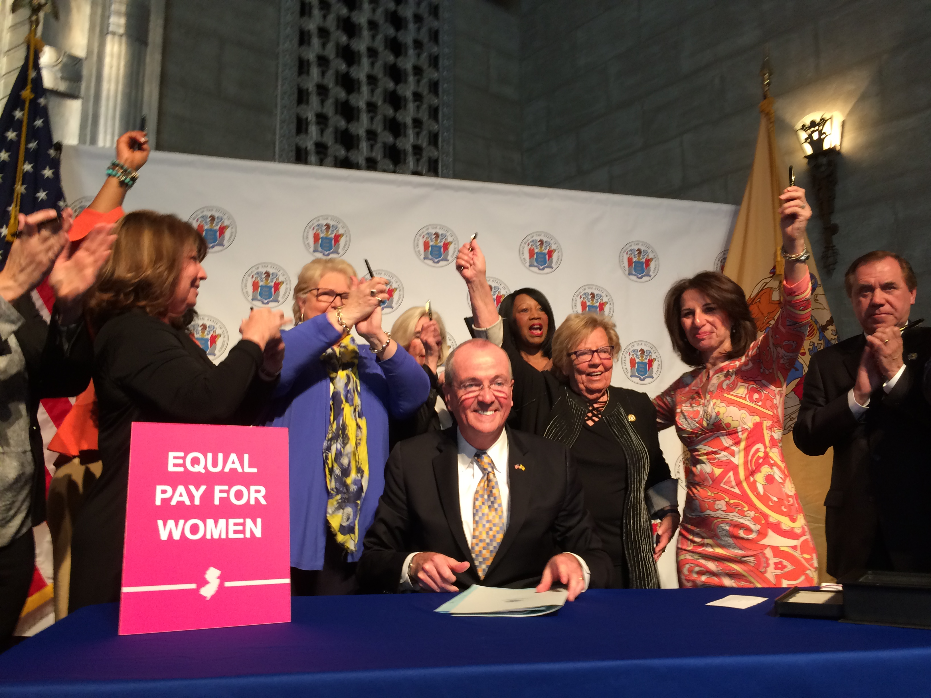 Equal_Pay_Signing_(6).JPG