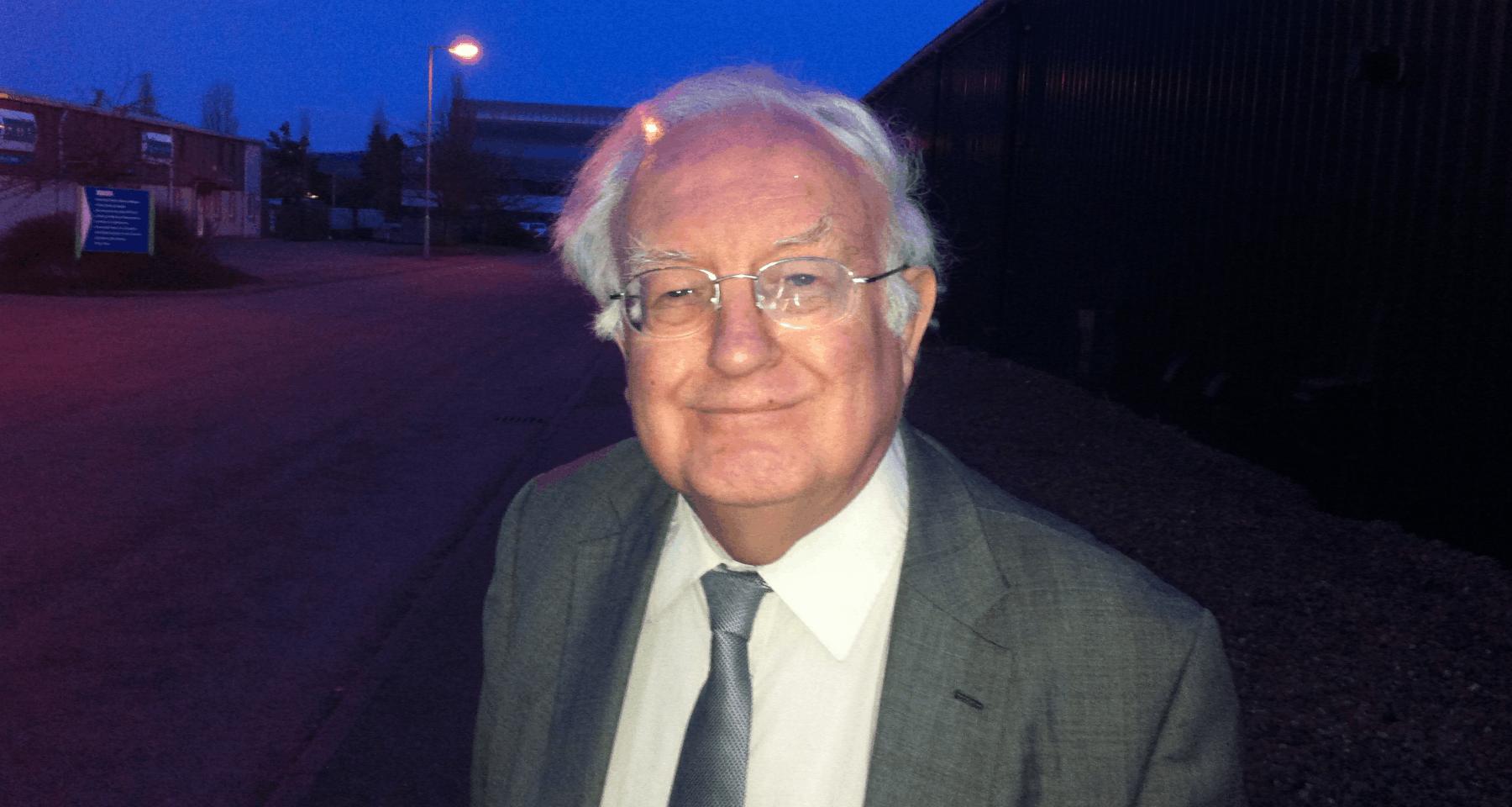 Kenneth MacLeod