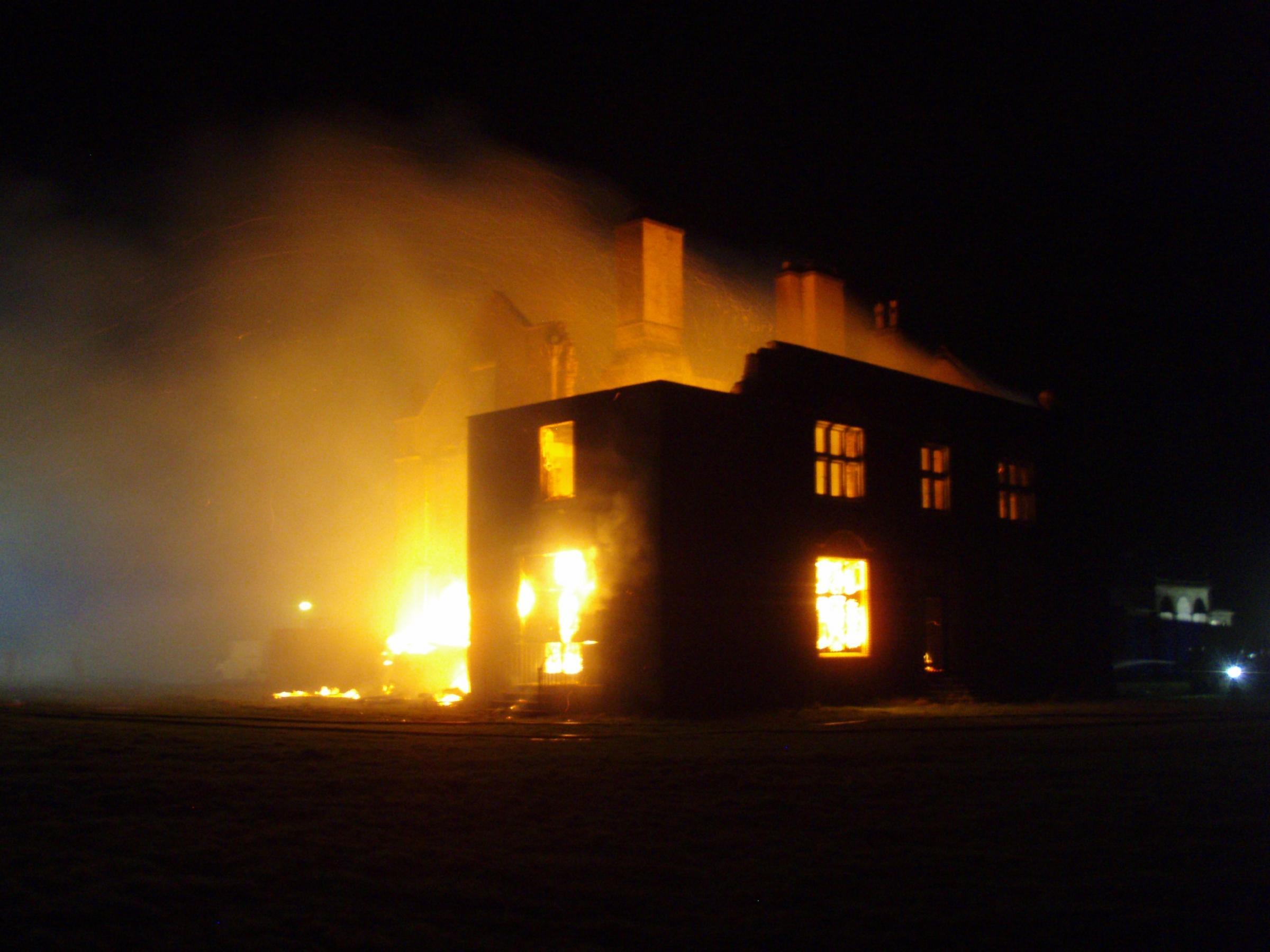 woolshallfire.jpg