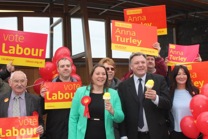 Anna__Ed_and_Team_Labour_in_Redcar_(707px).jpg
