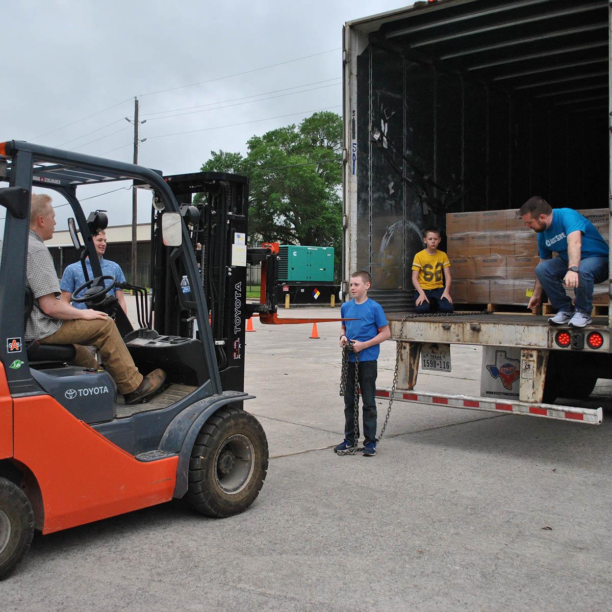 NAM Receives 40 Thousand Pound Food Donation