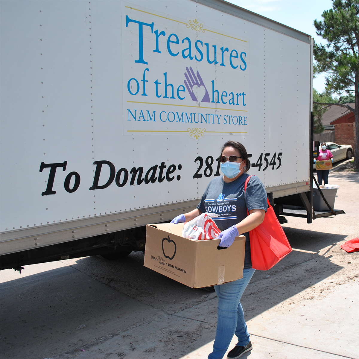 NAM & KISD Kaiser Elementary Deliver Groceries to Families in Need