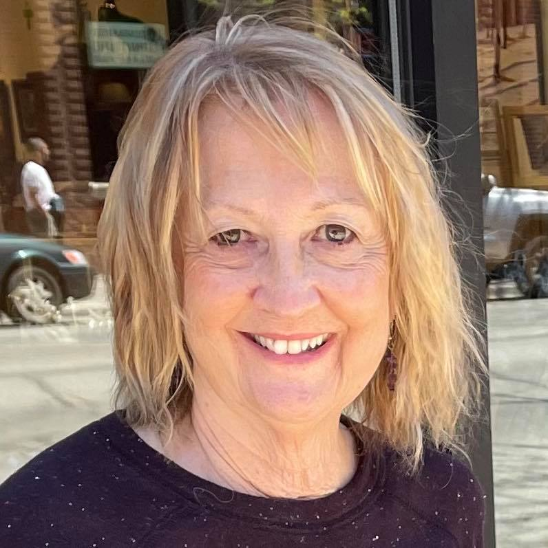 Linda Messmer | Editorial & USA Teams Leader