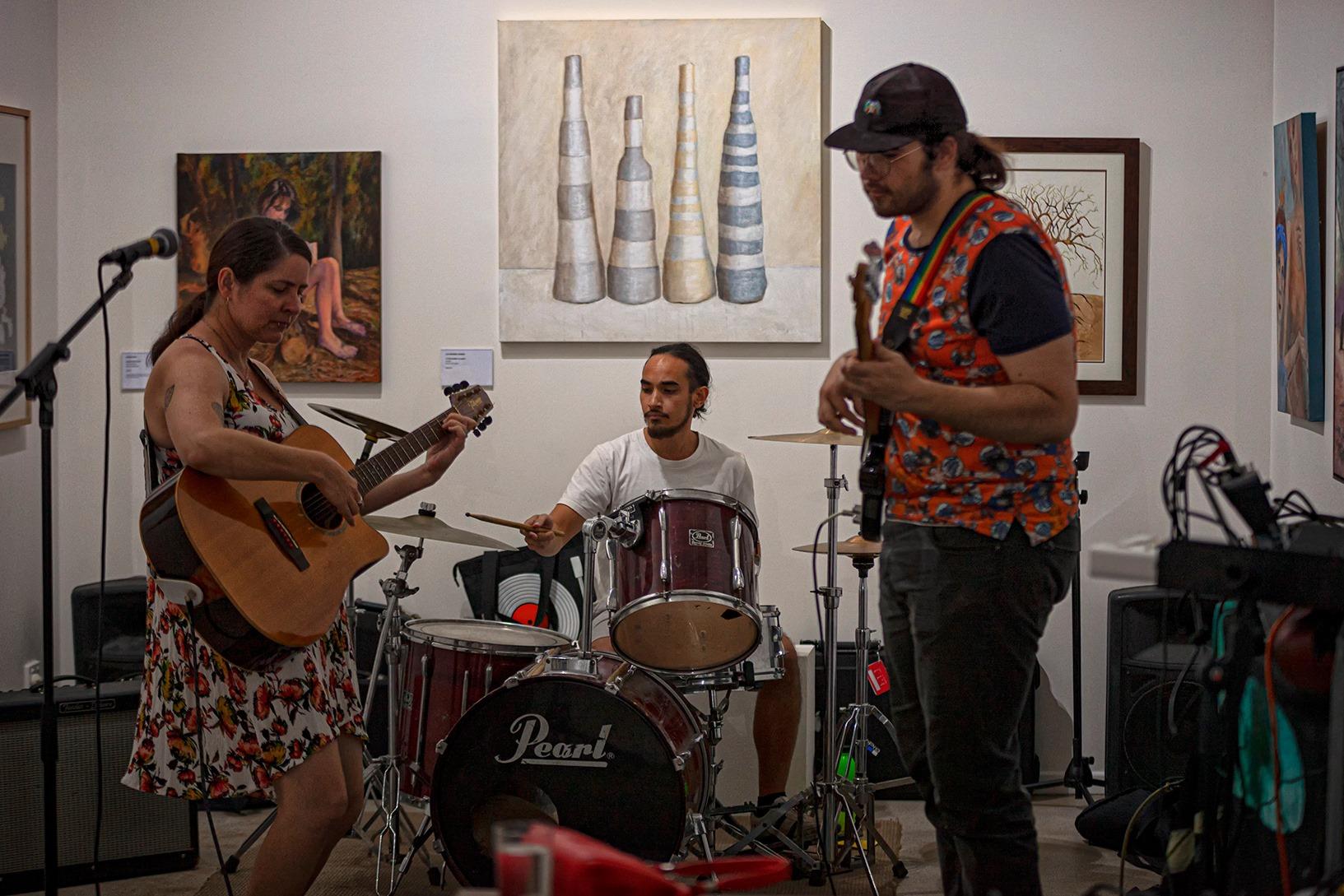 Musicians entertaining us at Wilderness Matters