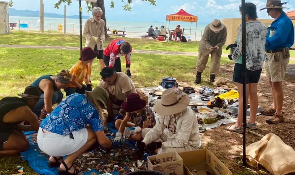 Pallarenda beach clean up
