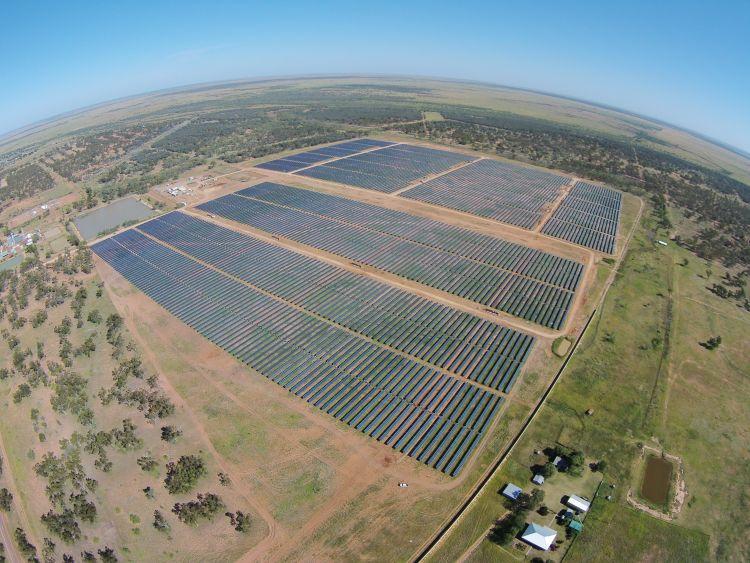 Aerial_of_Barcaldine_Solar_Farm_Nov_2016_750_563_80_s.jpg