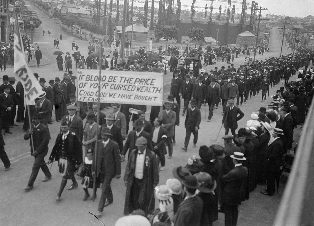 Strikers_marching_1913.jpg