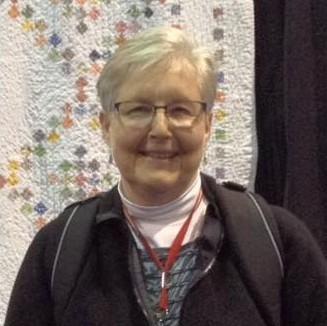 Laura_at_Chicago_Quilt_Show_(2).jpg