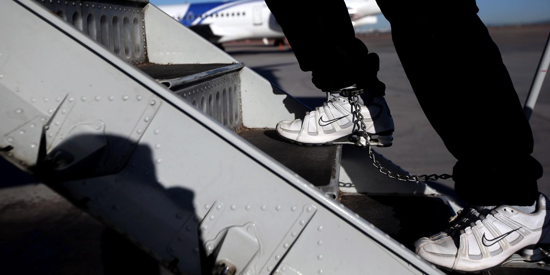 deportation-waiver-plea-bargain-1510681119-article-header.jpg