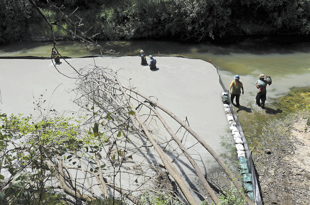 Sunoco Spills Drilling Fluid While Drilling Under Chester Creek (sandbags used to try to stop)